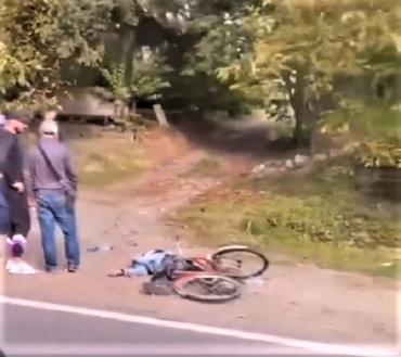 В Закарпатье на трассе Мукачево-Рогатин сбили велосипедиста: скончался на месте