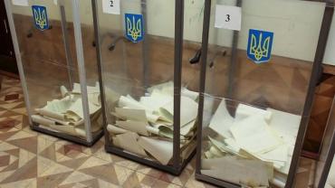 В областном центре Закарпатье члены комиссии оставили избирательную документацию без присмотра и покинули участок
