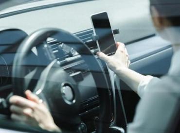 В МВД задумались о том, чтобы платить водителям за видео нарушений на дорогах.