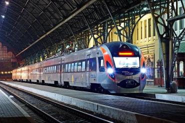 Украина с 1 июня возобновляет железнодорожное сообщение с Австрией и Венгрией.