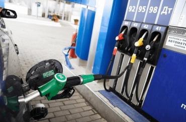 Большинство сетей АЗС подтвердили возможность снижения цен на бензин и дизтопливо