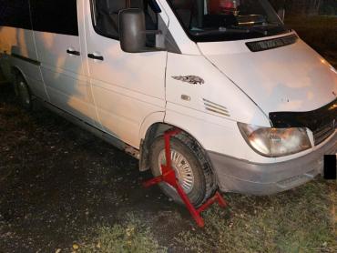 Українця на викраденій автівці затримали на кордоні Закарпаття з Румунією