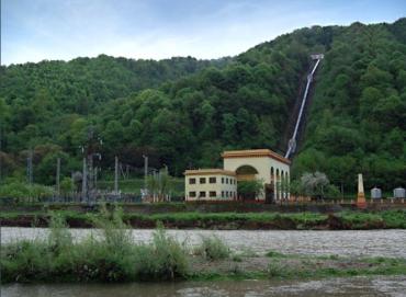 """У Карпатах невідомі """"замінували"""" унікальну гідроелектростанцію"""