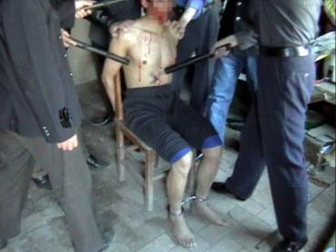 Неописуемый ужас: В Ужгороде экс-полицейских, на которых завели уголовное дело, вызвали пытать подозреваемого