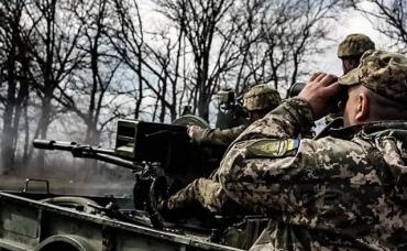 В зоне ООС подорвалось авто с украинскими военными - погиб один военный, трое ранены
