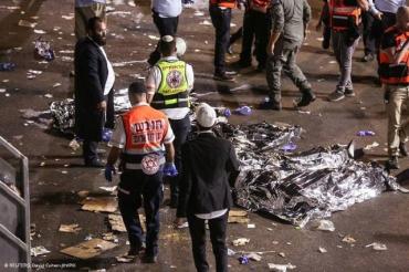 Носилки за носилками — без конца и краю, — очевидцы о трагедии в Израиле
