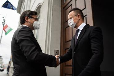 Кулеба встретился с главой МИД Венгрии Петером Сийярто в Братиславе: результат переговоров