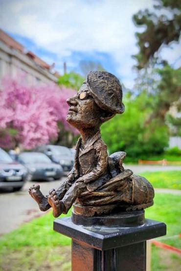 Церемония открытия мини-скульптурки Ласло Боди состоялась в Ужгороде.