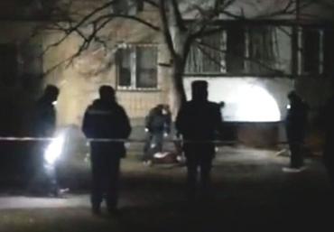 В Киеве ночью убили женщину, рядом с телом обнаружили полицейское удостоверение