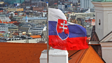 Словакия причисляет Чехию к странам риска и ужесточает въезд, Украина следующая