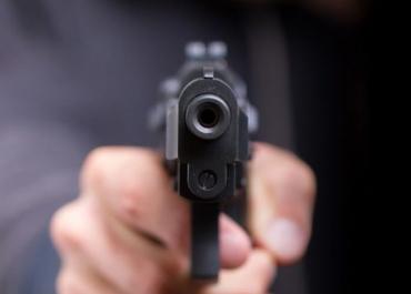 У Карпатах передвиборчі суперечки вирішують з допомогою зброї!