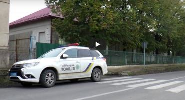 """В Ужгороді невідомі з партійними """"корочками"""" влаштували показове захоплення виборчої дільниці!"""
