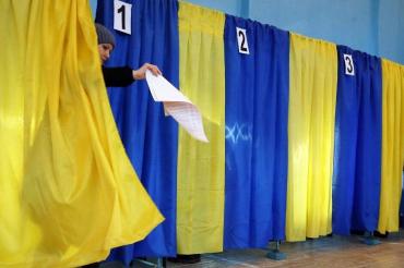 В Ужгороді поки що проголосувала лише шоста частина виборців!