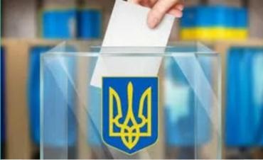 У закарпатському Мукачево перевіряють правильність заповнення виборчих бюлетенів
