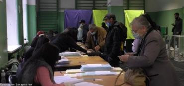 Минус 500 бюллетеней. Как обстоят дела на избирательном участке в школе №11 в Ужгороде