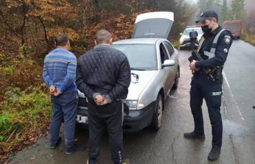"""На Закарпатті поліція відкрила розбійну """"таксувальну справу"""""""