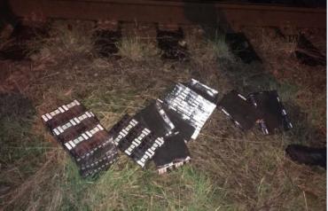 """В Закарпатье в международном железнодорожном """"грузовике"""" на границе с Венгрией нашли сигаретную контрабанду"""