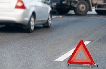 В Закарпатье после столкновения 2-х автомобилей одного из водителей из кабины просто вырезали!
