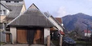 """Неизвестные бросили """"коктейль Молотова"""" в дом кассира религиозной общины в Закарпатье"""
