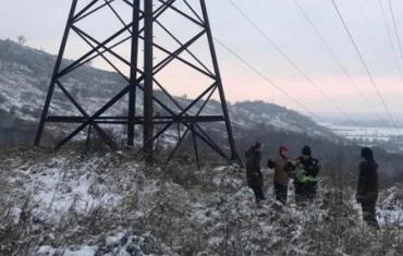 Трое полицейских в Закарпатье отговорили самоубийцу от задуманного