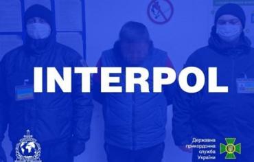 Разыскиваемого Прагой преступника задержали на украинско-венгерской границе