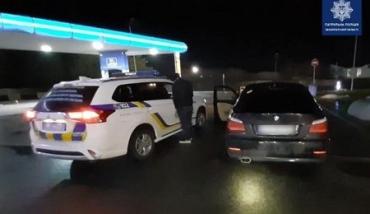Посеред ночі в Ужгороді поліція переслідувала нетверезого чоловіка на автомобілі