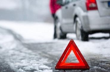 На Закарпатті водійка позашляховика не справилася з керуванням і зазнала травм