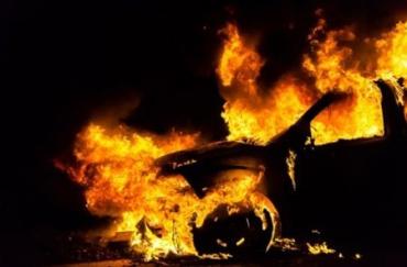 Нічне Закарпаття осяяло чергове автомобільне вогнище!