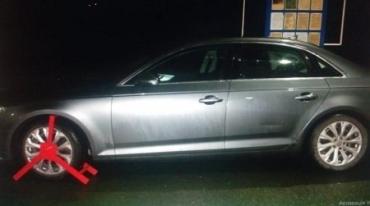 """Разыскиваемый Интерполом """"английский"""" автомобиль нашли на границе в Закарпатье"""