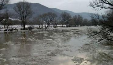 Февраль свирепствует! Реки в Закарпатье выходят из берегов!