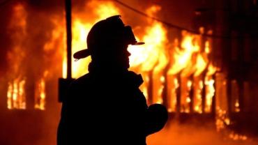 В Закарпатье некотролируемый огонь распространился по рынку