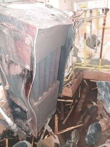 Везли на скорой: В Закарпатье из-за мощного взрыва погиб человек
