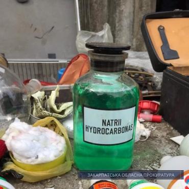 От закупки прекурсоров до сбыта амфетамина: Житель Закарпатья наладил наркобизнес в собственном доме