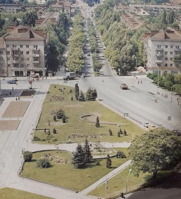"""Какой был вид из легендарного отеля """"Закарпатье"""" в Ужгороде 35 лет назад"""