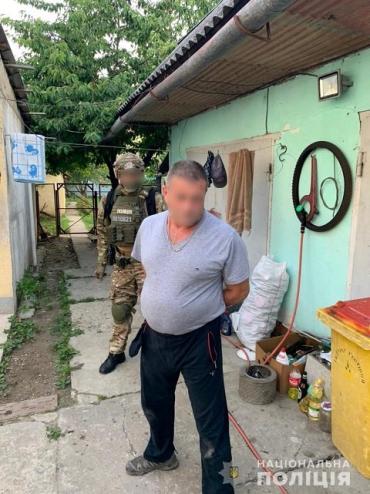 В Закарпатье наркоподозреваемый после обыска заработал себе еще одну статью