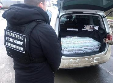 Контрабанда в Украине: Как атташе и консулы вывозят кеш и зарабатывают на сигаретах