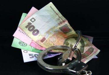 Взятка не сработала: Около Ужгорода полиция из-за мелочи поймала водителя Volkswagen