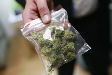 В Закарпатті накрили канал збуту наркоти серед військовослужбовців