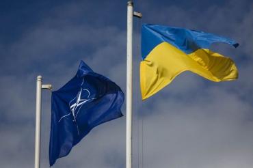 Никто и не думает принимать Украину с ее неразрешенным конфликтом в НАТО, - Süddeutsche Zeitung
