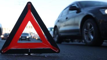 На дорозі Закарпаття нетверезий керманич автівки просто зніс жінку-пішохода — жертва загинула на місці