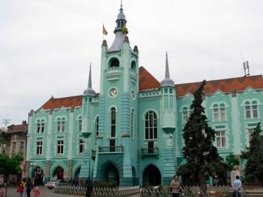 Обшуки в Ратуші в Мукачеві: Силовики рознюхали велику махінацію з землею