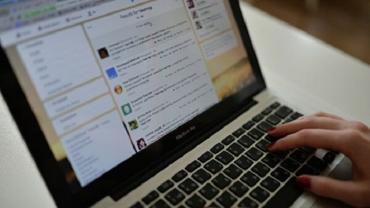 Больше половины украинцев добывают информацию в Интернете