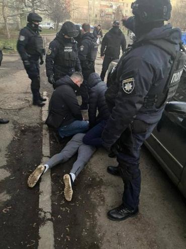 У Мукачеві вчора йшли масові затримання бандитів