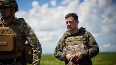 Зачем ОП сносит «вертикаль Хомчака» и назначает популярных в армии лиц
