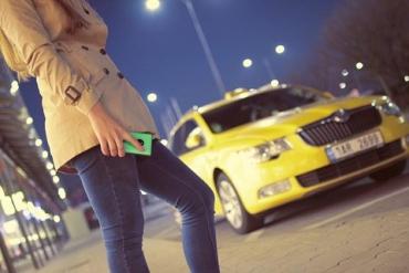 На окраине Ужгорода налётчицы устроили мордобой и отобрали документы у водителя такси