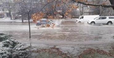 Последствия дождей: Из-за захламленных стоков Ужгород и его окраины ушли под воду