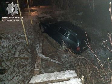 Погоня, гололед и пьянка: В Закарпатье, на трассе Киев-Чоп гонки нетрезвого водителя закончились ДТП