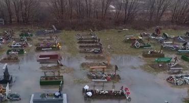 """В Мукачево застоявшаяся """"трупная"""" вода попадает в скважины и колодцы местных жителей"""