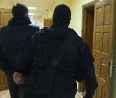 В Ужгород вернулись лихие 90-е: Два бандита представились полицейскими и напали на мужчину