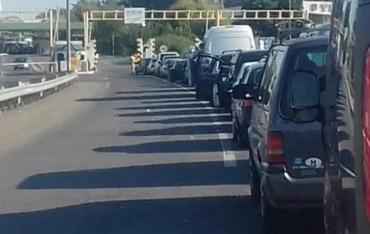 На НПП Тиса и Лужанка в Закарпатье снова фиксируют большие очереди из авто